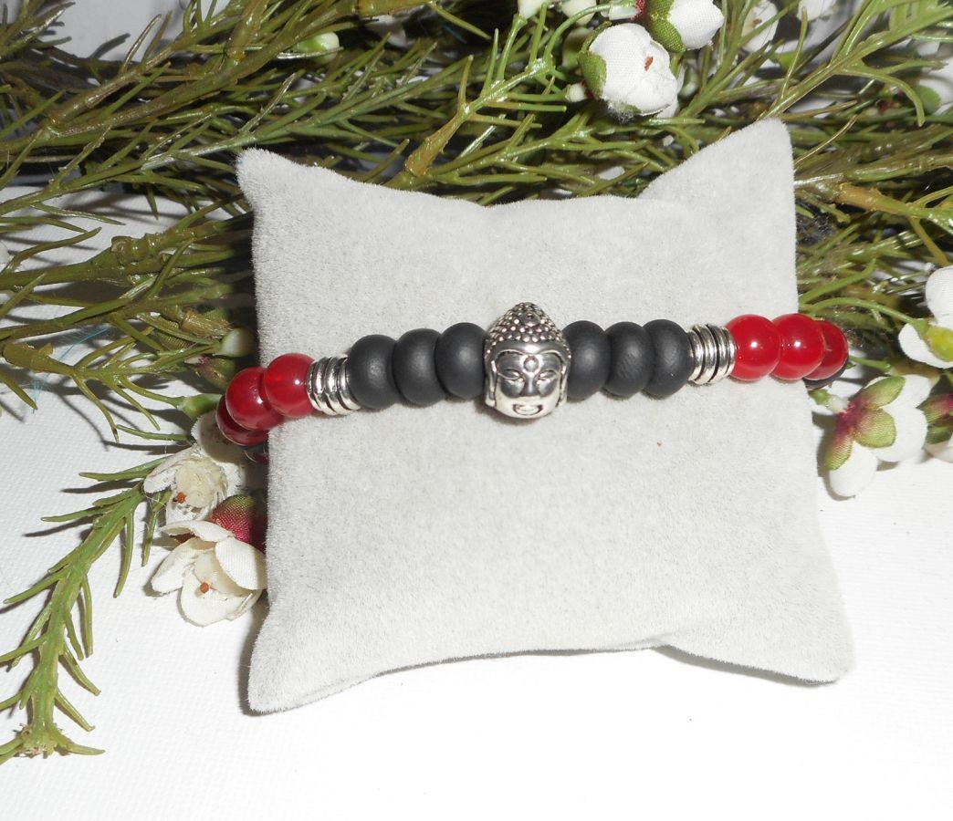Bracelet en pierres de jade rouge et argile noir avec bouddha argent