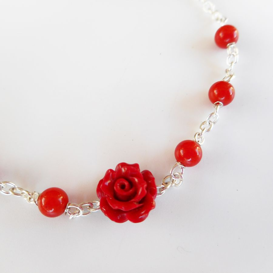 Bracelet rose rouge avec perle en gorgone rouge sur chaine argent 925