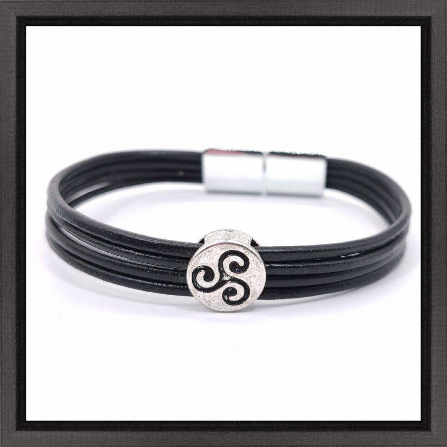 Bracelet tricel sur cuir multi-rangs
