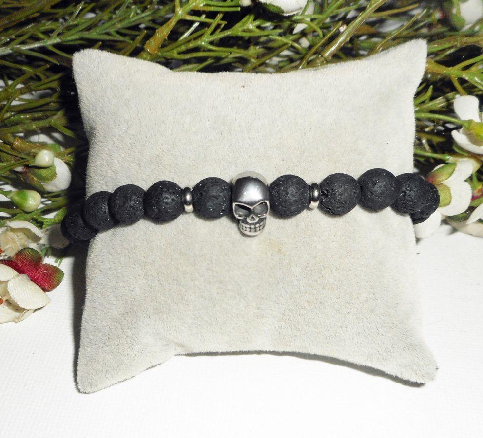 Bracelet tête de mort acier avec pierres en lave noir