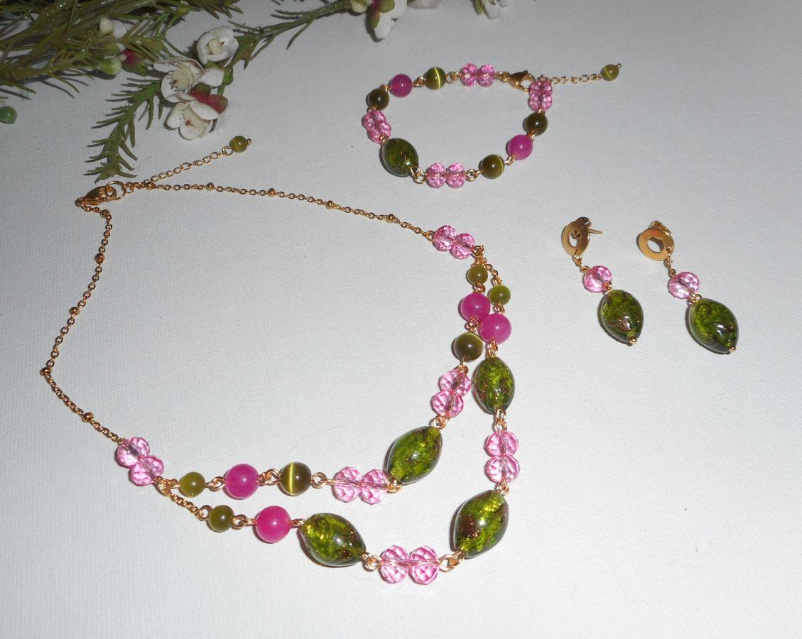 Bracelet en Verre de Murano et cristal rose et vert sur chaine en acier or