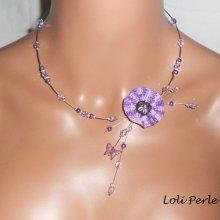 Collier fleur crochetée mauve et perles en cristal