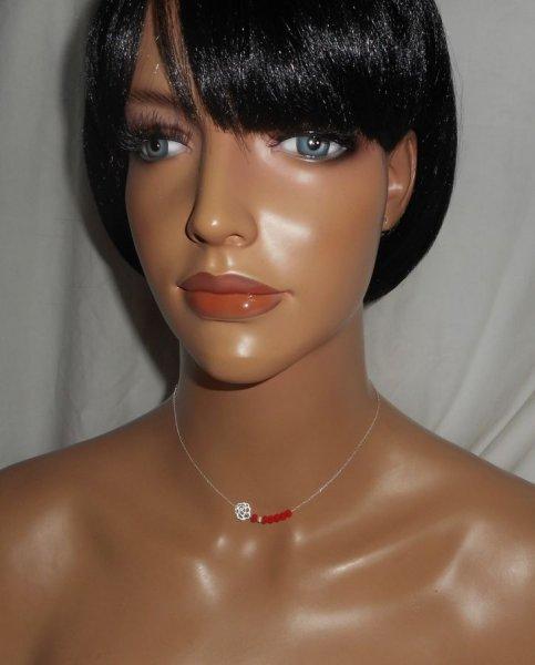 Collier ras de cou en argent 925 avec rose en filigrane et  perles en cristal rouge