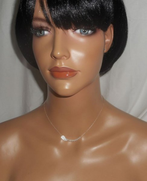 Collier ras de cou en argent 925 avec petite aile et perles en cristal blanc