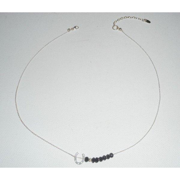 Collier ras de cou en argent 925 avec petit fer à cheval et perles en cristal noir