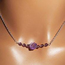 Collier ras de cou avec rose en améthyste et perles en cristal sur chaine argent 925