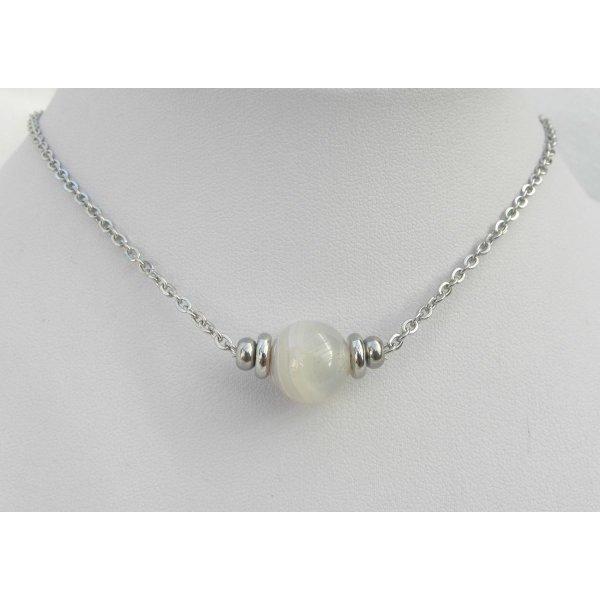 Collier solitaire avec pierre en agate grise et perles en acier inoxydable