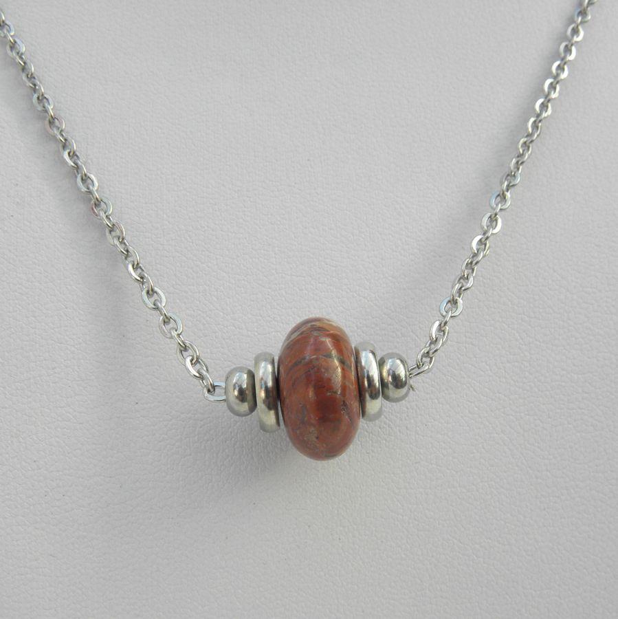 Collier solitaire avec pierre en jaspe rondelle marron et perles en acier inoxydable