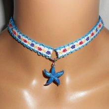 Collier en tissus fleuri avec étoile de mer bleue