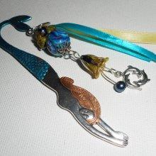 Marque page original sirène colorée avec perles, fleurs et dauphins