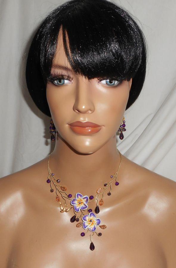 Parure Collier aérien avec fleurs d'hibiscus et perles en cristal violet