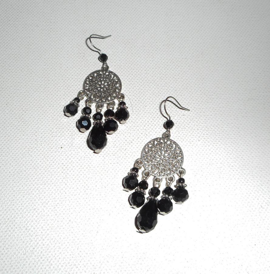 Parure Collier aérien avec perles en cristal noir et fleur sur fil cablé