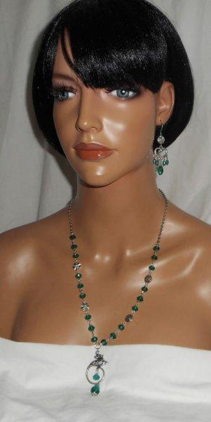 Parure Collier paon serti de cristal vert sur chaine argent