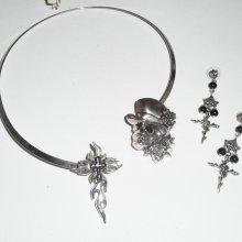 Parure Collier unique en métal argent avec tete de mort et croix