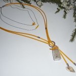 Collier multi rang avec perles coquillages et bouteille en verre