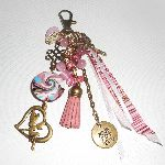 Porte clés/Bijoux de sac fée perles et rubans rose