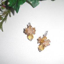 Boucles d'oreilles originalesfleurettes avec perles en cristal ambre