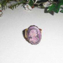 Bague camé violet sur cadre doré, taille réglable