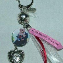 Mariage: Wedbibi Porte clée en perles de métal rubans et votre photo