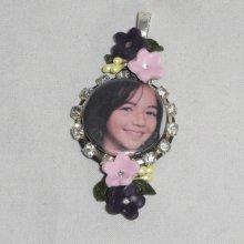Pendentif  original photo personnalisé avec fleurs et cristal
