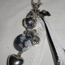 Porte clefs avec votre photo préférée nacre grise et pierres d'hém