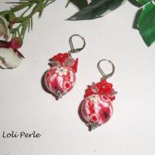 Boucles d'oreilles perles fleuries rouge avec perles en cristal