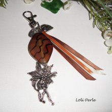 Porte clés/Bijoux de sac pierre de cornaline et fée avec rubans marrons