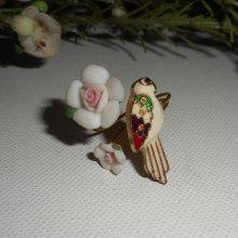 bague perroquet en émail  blanc avec fleurs en porcelaine