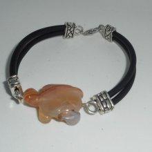 Bracelet multi-rangs en buna corde avec tortue en cornaline
