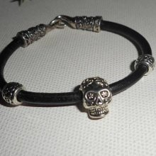 Bracelet en cuir noir avec perle tête de mort mexicaine en métal argent