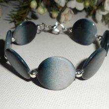 Bracelet palets de nacre gris