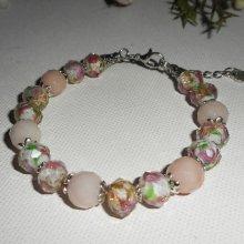 Bracelet en perles de Murano fleuri rose avec pierres de tourmaline