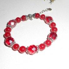 Bracelet en perles en cristal rouge avec pierres de jade coloré