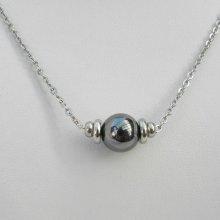 Collier solitaire avec pierre en hématite et perles en acier inoxydable