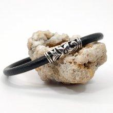 Bracelet floral sur cordon en cuir noir