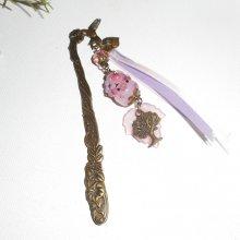 Marque page oiseau avec cochon rose en verre et arbre bronze
