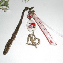 Marque page oiseau avec palet de nacre fée et rubans