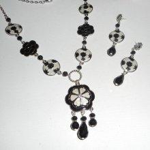 Parure Collier en émail noir et blanc avec perles en cristal