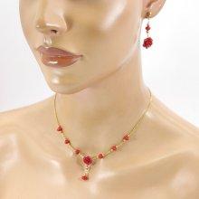 Parure Collier et boucles d'oreilles roses rouges en gorgone