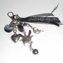 Porte clés/Bijoux de sac fée argent avec breloques ange pierres d'hématite et rubans