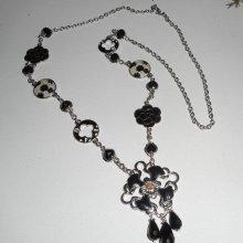 Sautoir en émail noir et blanc avec perles en cristal